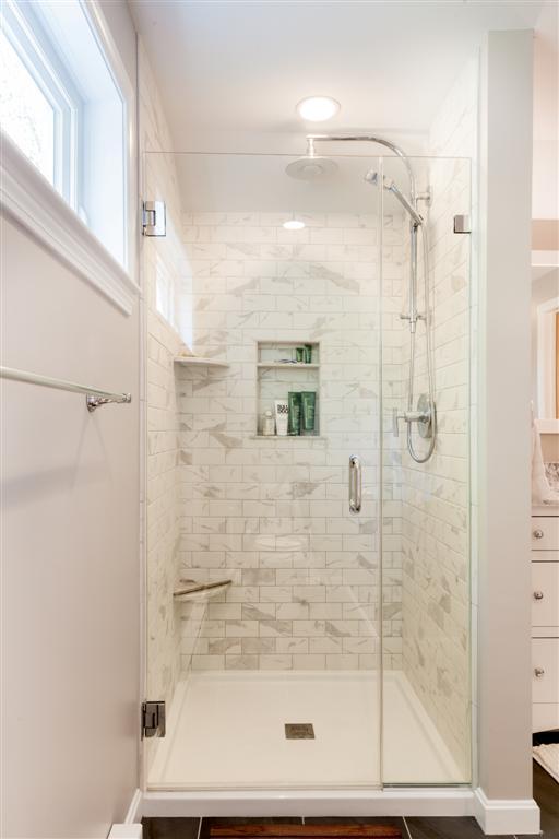 bathroom-jobid001-b